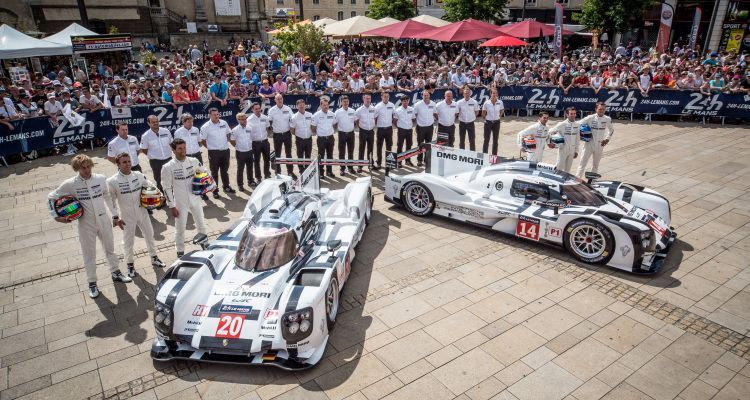 Romain Dumas (FRA) / Neel Jani (CHE) / Marc Lieb (DEU) driving the #14 LMP1 Porsche Team (DEU) Porsche 919 Hybrid - Timo Bernhard (DEU) / Mark Webber (AUS) / Brendon Hartley (NZL) driving the #20 LMP1 Porsche Team (DEU) Porsche 919 Hybrid
