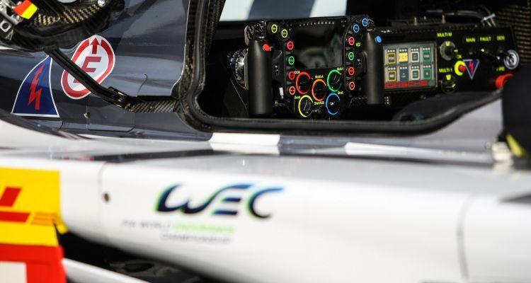 Romain Dumas (FRA) / Neel Jani (CHE) / Marc Lieb (DEU) / Car #14 LMP1 Porsche Team (DEU) Porsche 919 Hybrid  STEERING WHEEL - 6 Hours of Bahrain at Bahrain International Circuit (BIC) - Sakhir - Kingdom of Bahrain