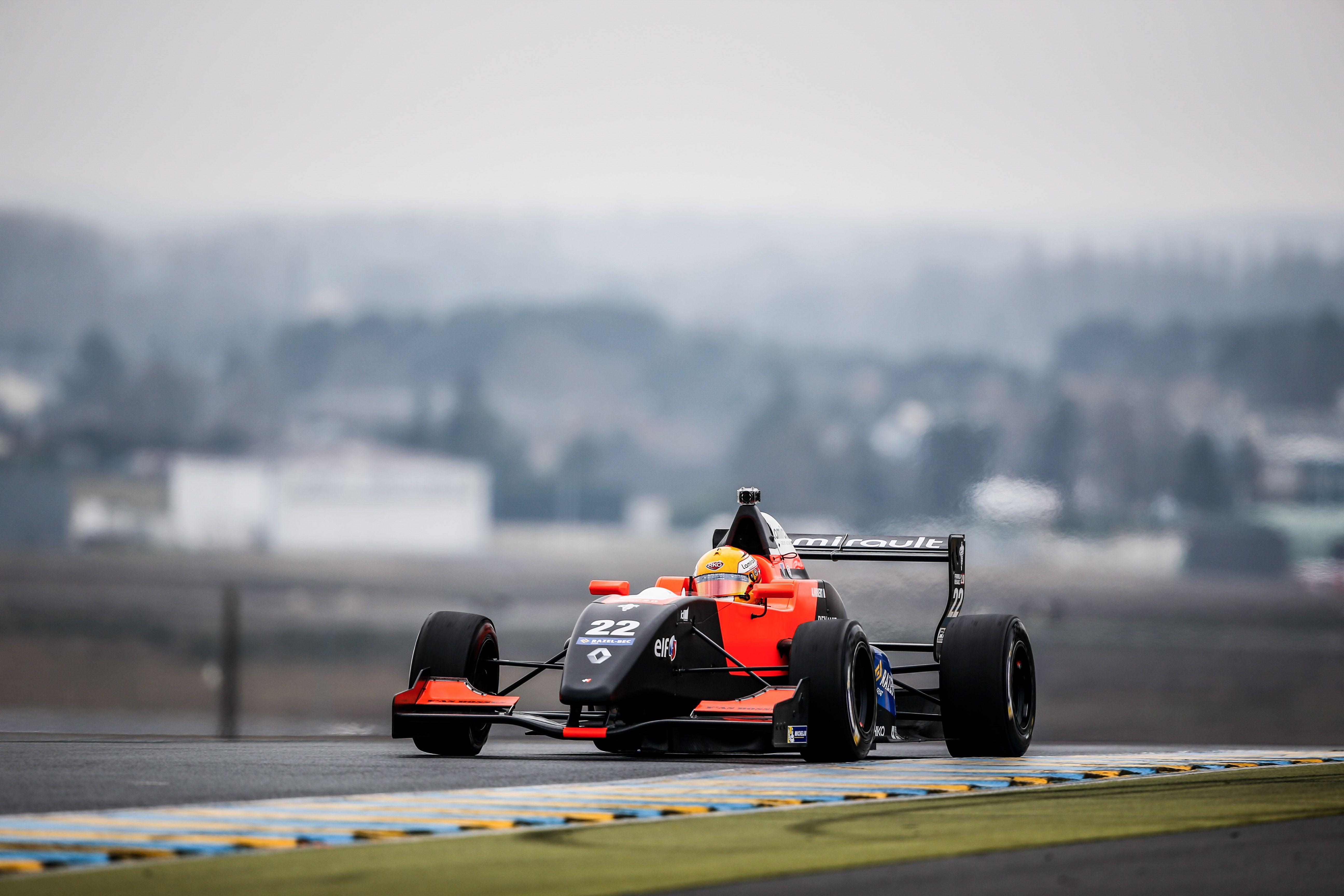 AUTO - FR 2.0 TESTS AT LE MANS 2015