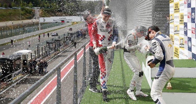 Prize giving ceremony, 2 Jake Dennis (GBR, Prema Powerteam, Dallara F312 – Mercedes-Benz), 5 Santino Ferrucci (USA, kfzteile24 Mücke Motorsport, Dallara F312 – Mercedes-Benz), 23 Sérgio Sette Câmara (BRA, Motopark, Dallara F312 – Volkswagen), FIA Formula 3 European Championship, round 5, race 2, Spa-Francorchamps (BEL) - 19. - 21. June 2015