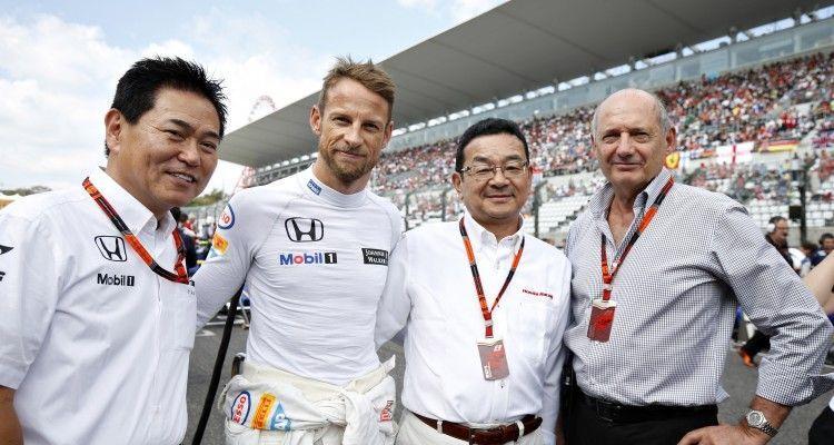 Yasuhisa Arai, Head of Motorsport, Honda, Jenson Button, Takahiro Hachigo, President, Honda Racing Corporation, and Ron Dennis on the grid.