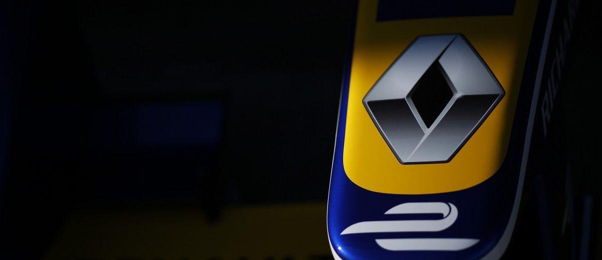 FIA Formula E Test Day, Donington Park, UK. Tuesday 25 August 2015. Renault e.Dams Z.E.15 nosecone Photo: Sam Bloxham/FIA Formula E/LAT ref: Digital Image _SBL0811