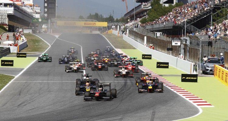 2015 GP2 Series Round 2. Circuit de Catalunya, Barcelona, Spain.  Saturday 9 May 2015 Stoffel Vandoorne (BEL, ART Grand Prix), leads Pierre Gasly (FRA, DAMS) & Alex Lynn (GBR, DAMS) at the start Photo: Sam Bloxham/GP2 Media Service ref: Digital Image _G7C2329