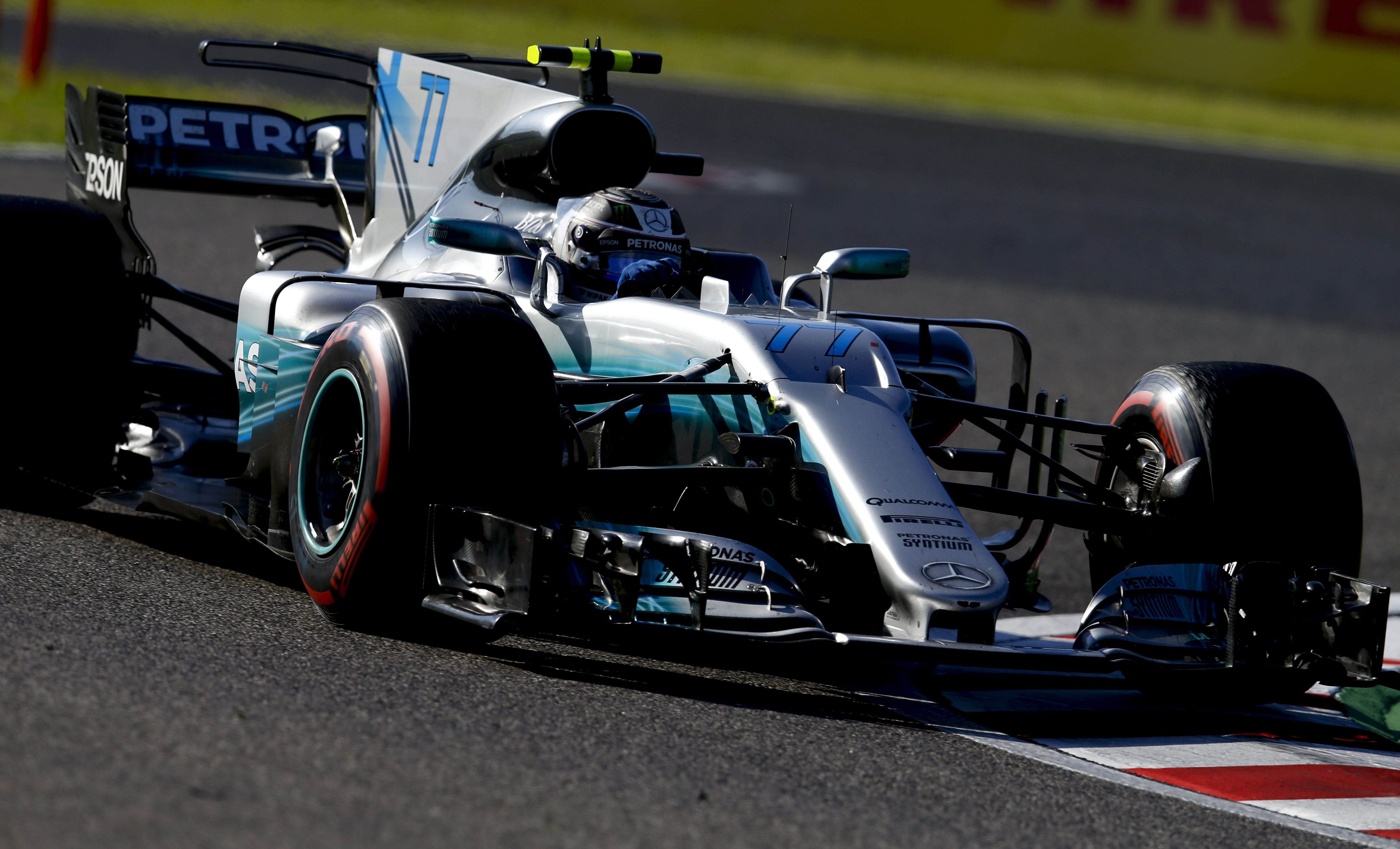 bottas sets pace in fp1