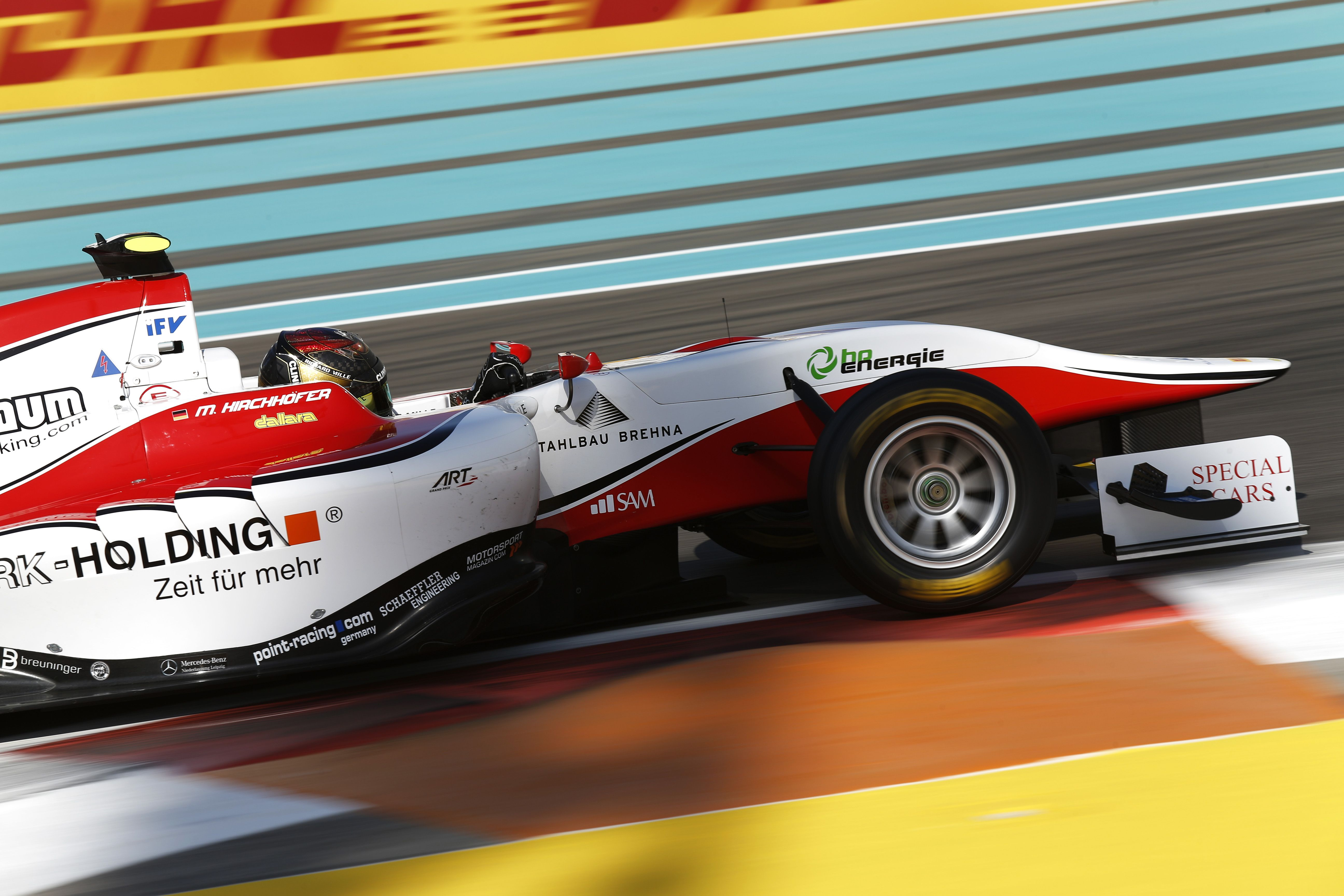 Kirchhöfer wins Race 1 in Abu Dhabi, the title yet to be decided