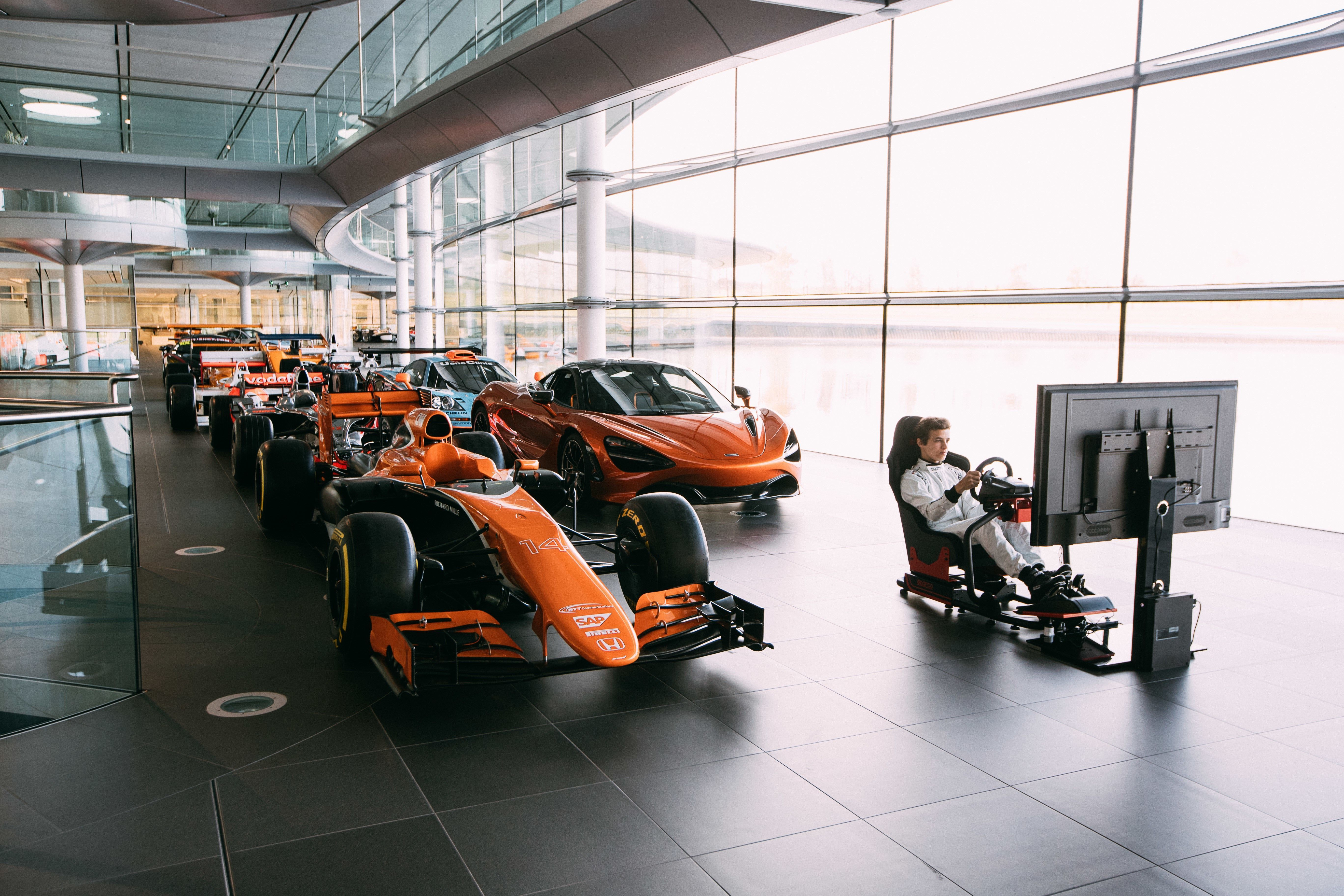McLaren to offer F1 simulator role to eSports prize winner