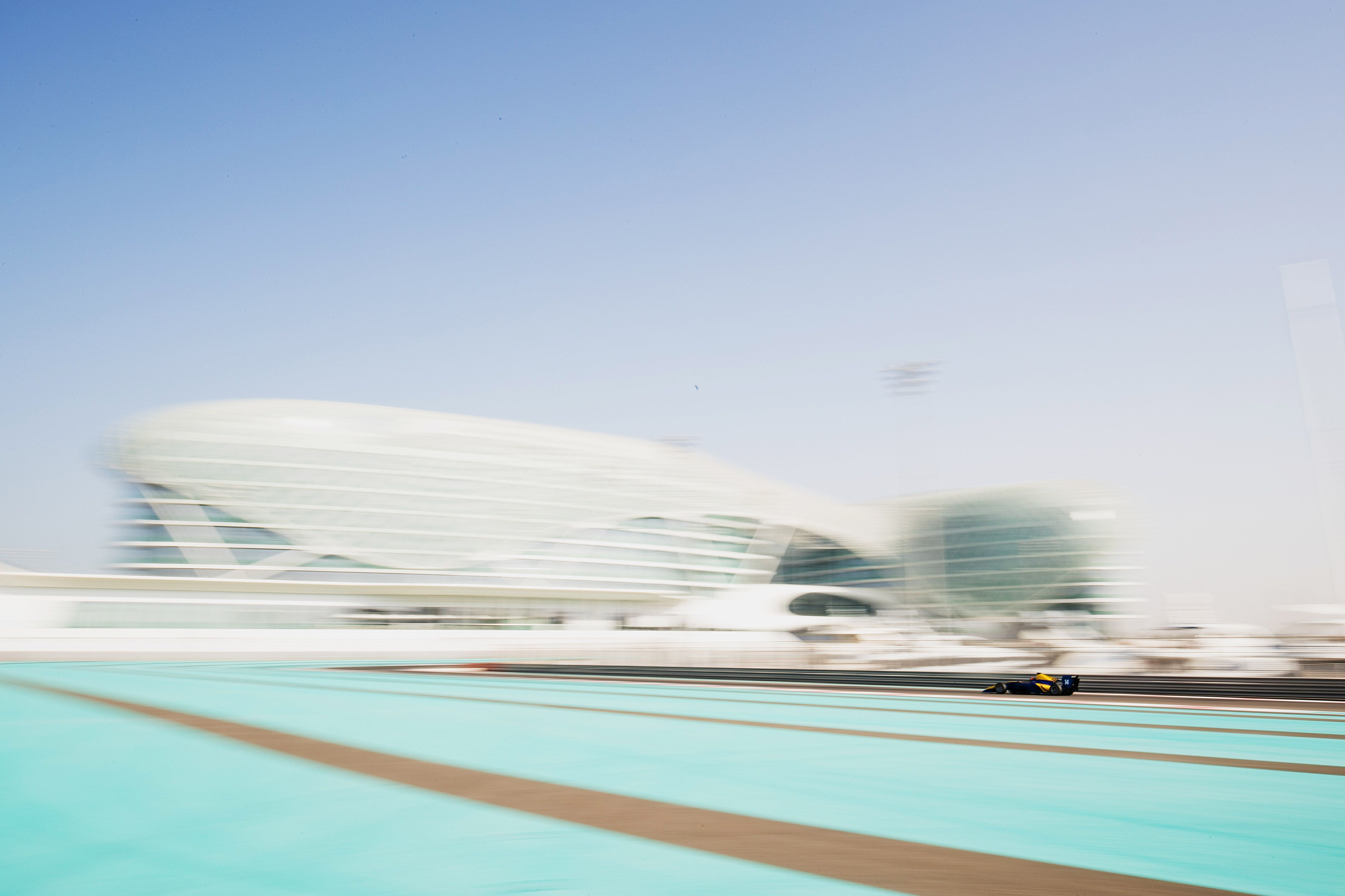 Niko Kari tops day 2 of Abu Dhabi Test