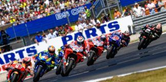 MotoGP lead group fight in Dutch GP