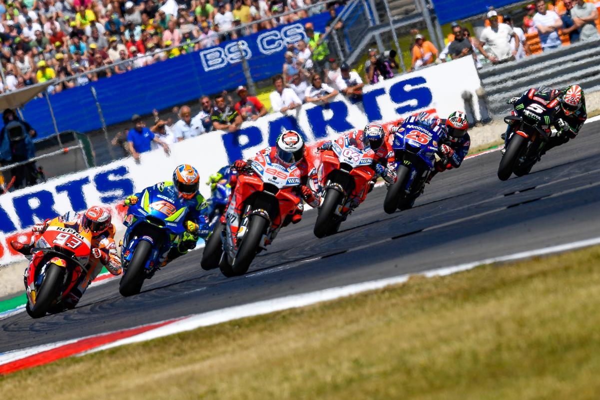 MotoGP lead group fight in Dutch GP