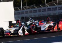 Lucas di Grassi ahead of Pascal Wehrlein in Mexico Formula E race