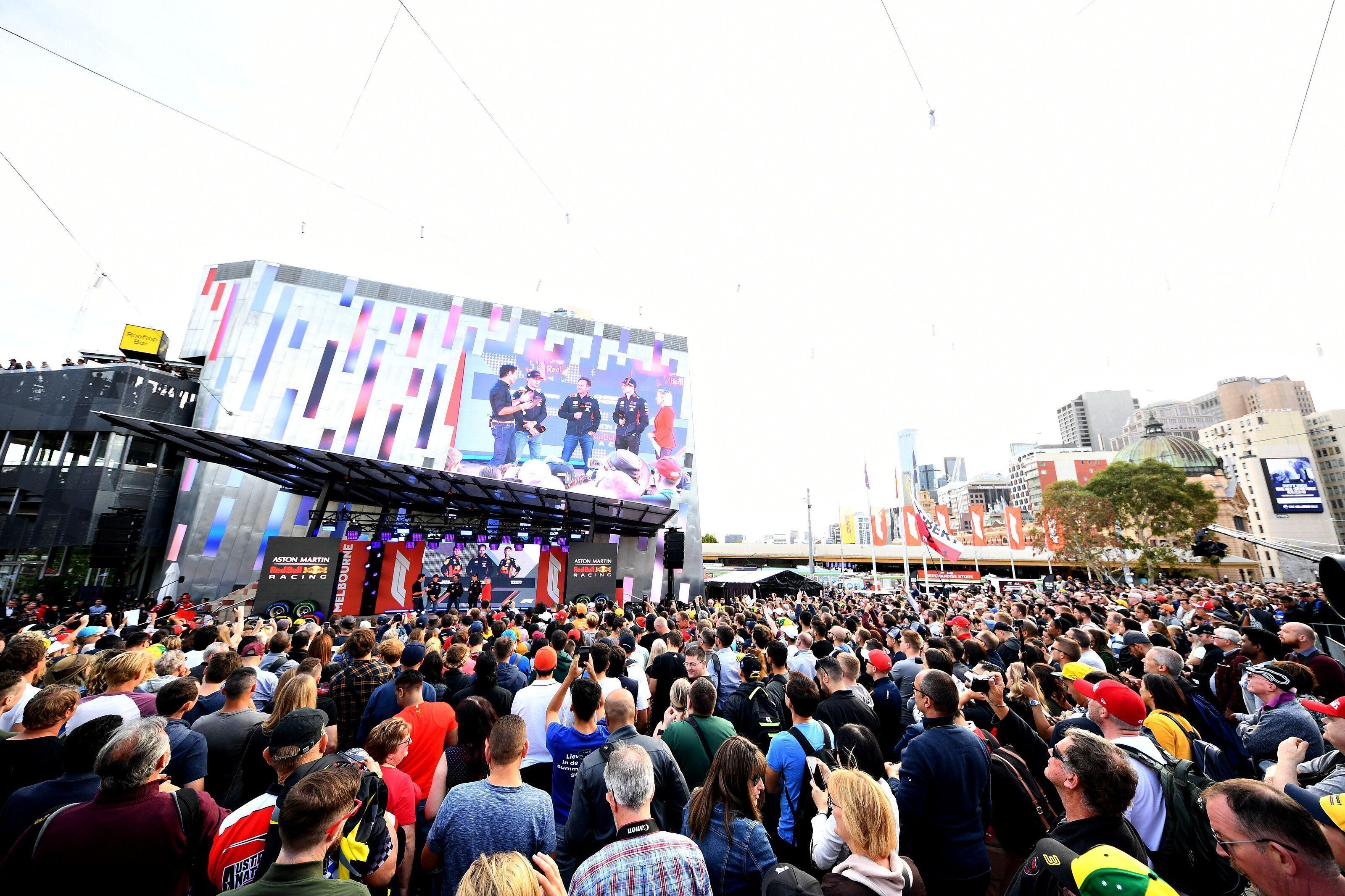 Fans attending Australian GP, measles alert issued