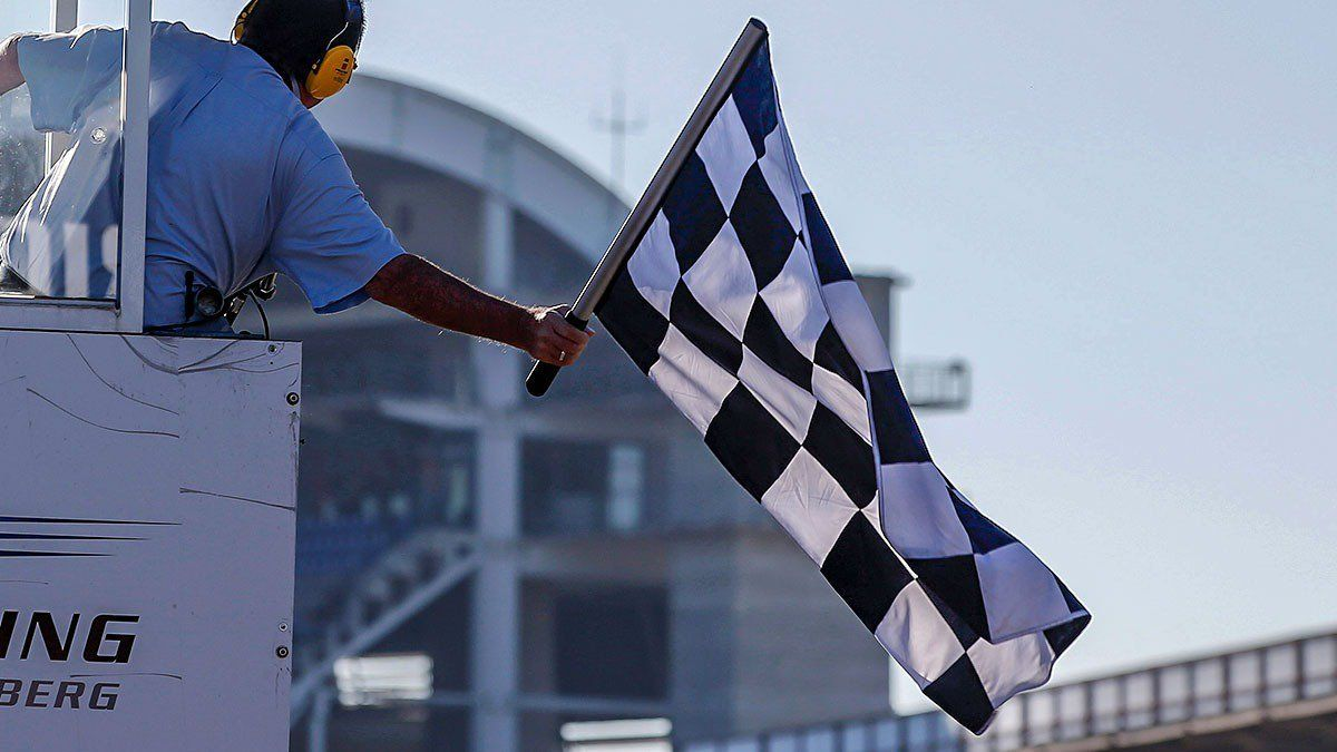 Chequered falls on Formula European Masters series