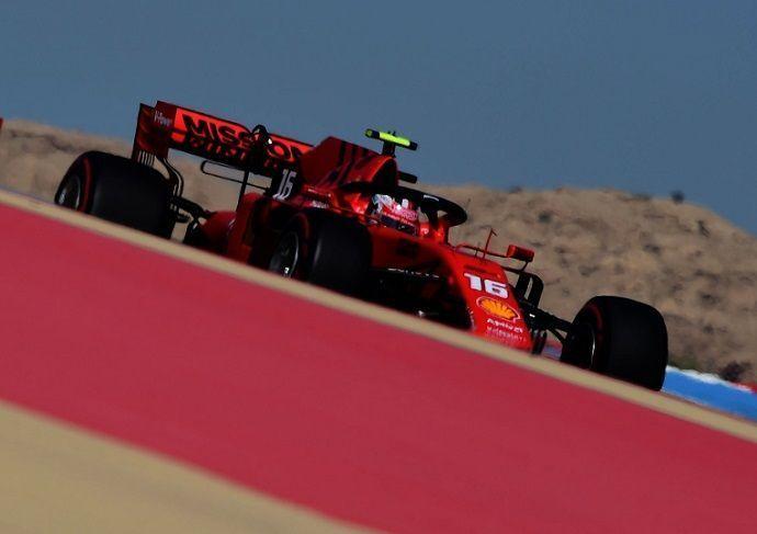 F1: Ferrari aterriza en Baréin en 'modo fiesta', McLaren pinta a Q3