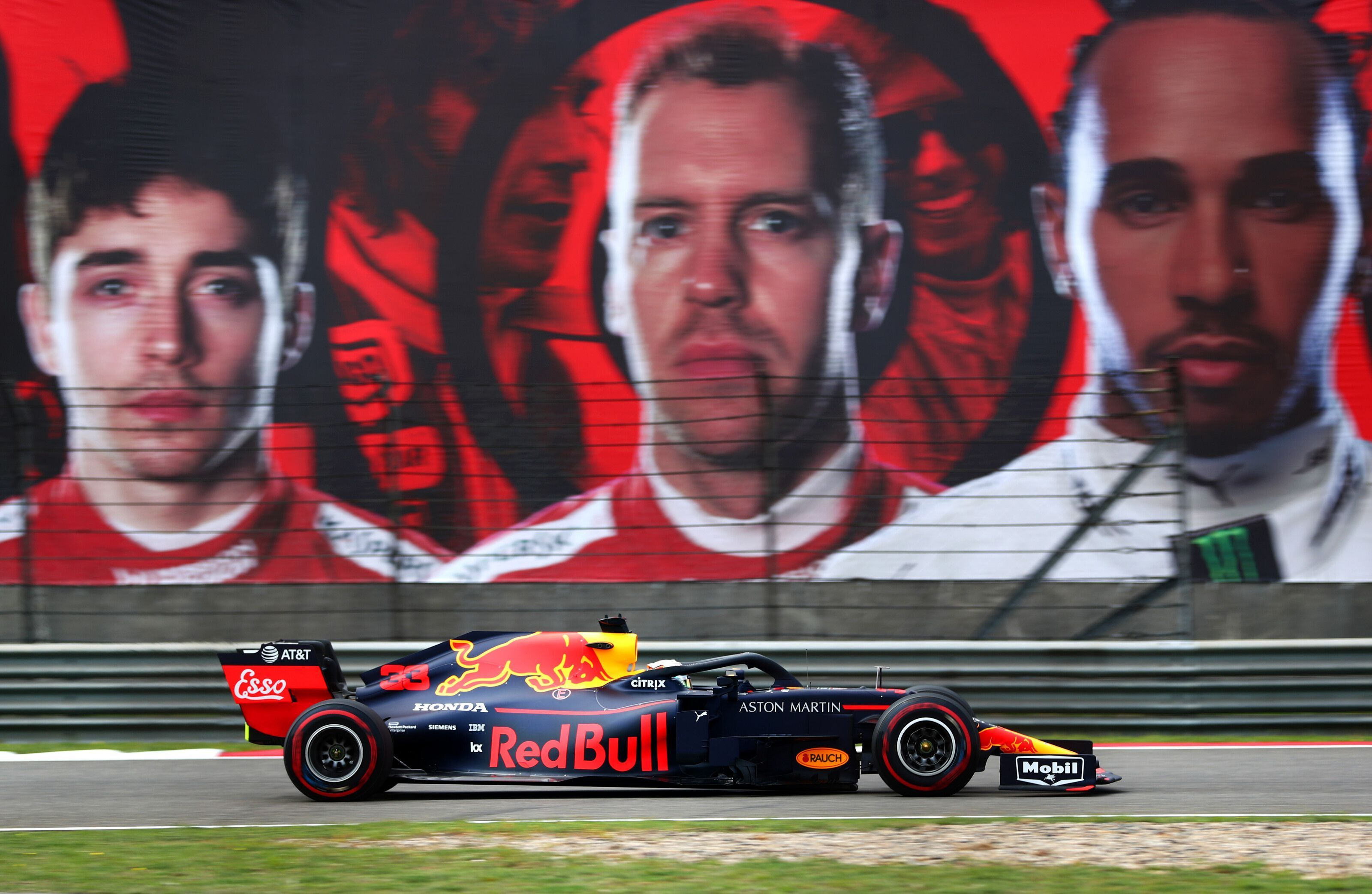 Red Bull in F1 Chinese GP mix