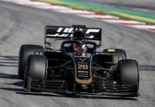 Haas and Pirelli discuss tyre issues