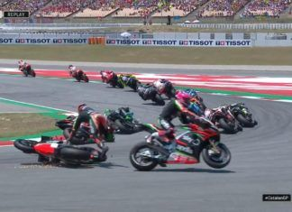 Bradly Smith hits Aleix Espargaro, MotoGP, Aprilia