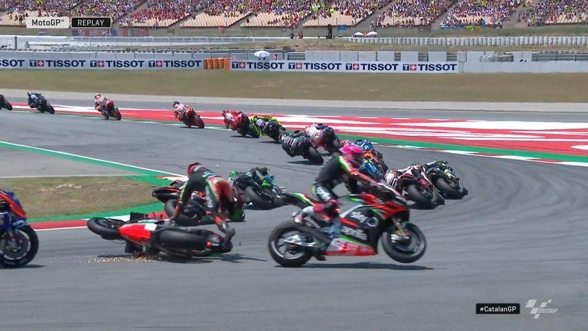 Bradly Smith hits Aleix Espargaro, MotoGP, Aprilia