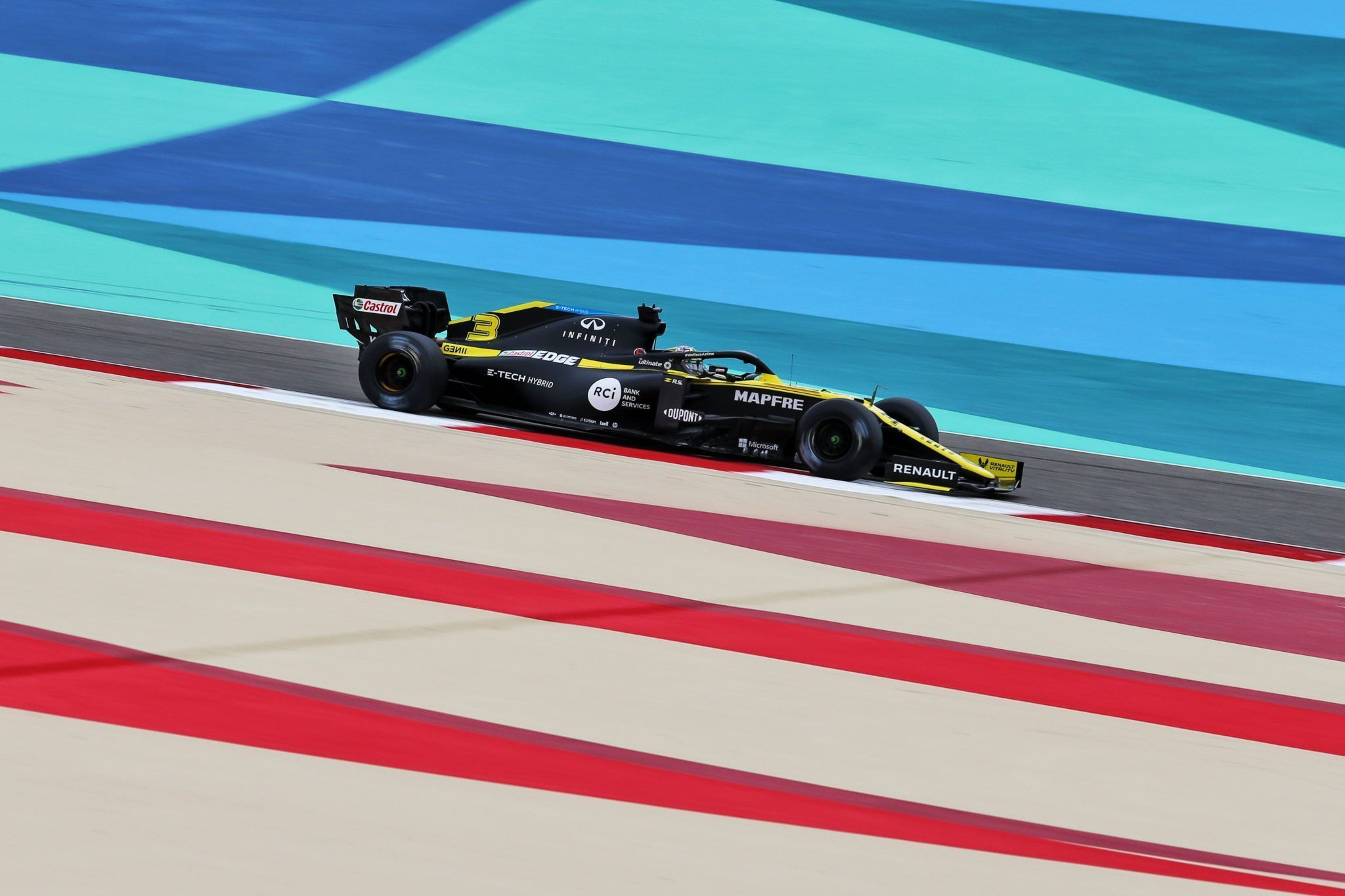 F1, Mario Isola, Pirelli, Daniel Ricciardo