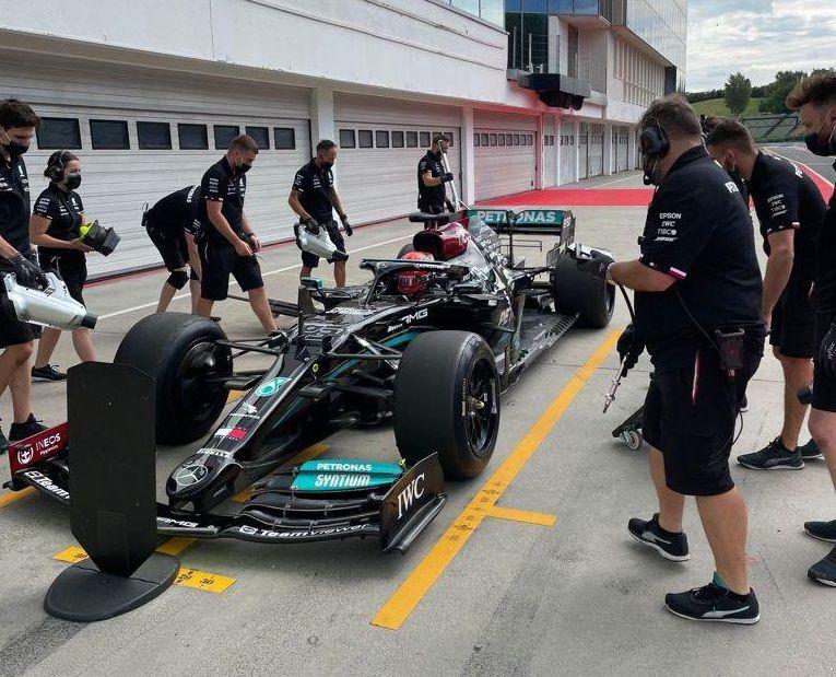 Mercedes, McLaren, Ferrari, F1, Pirelli