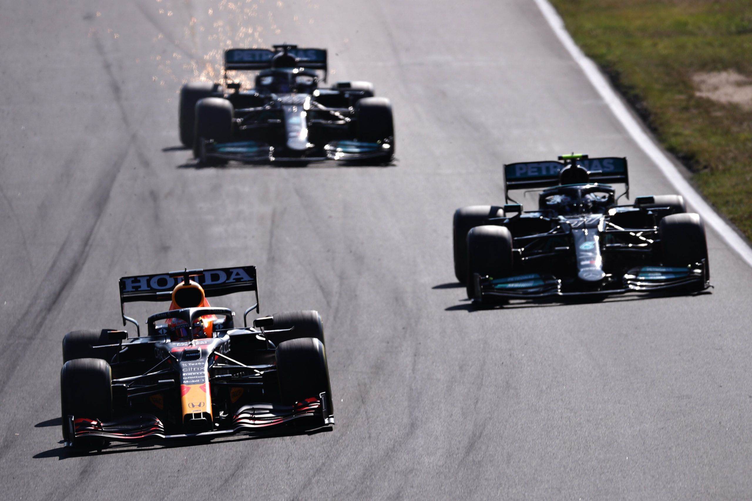 Toto Wolff, Mercedes, Red Bull, Lewis Hamilton, Max Verstappen