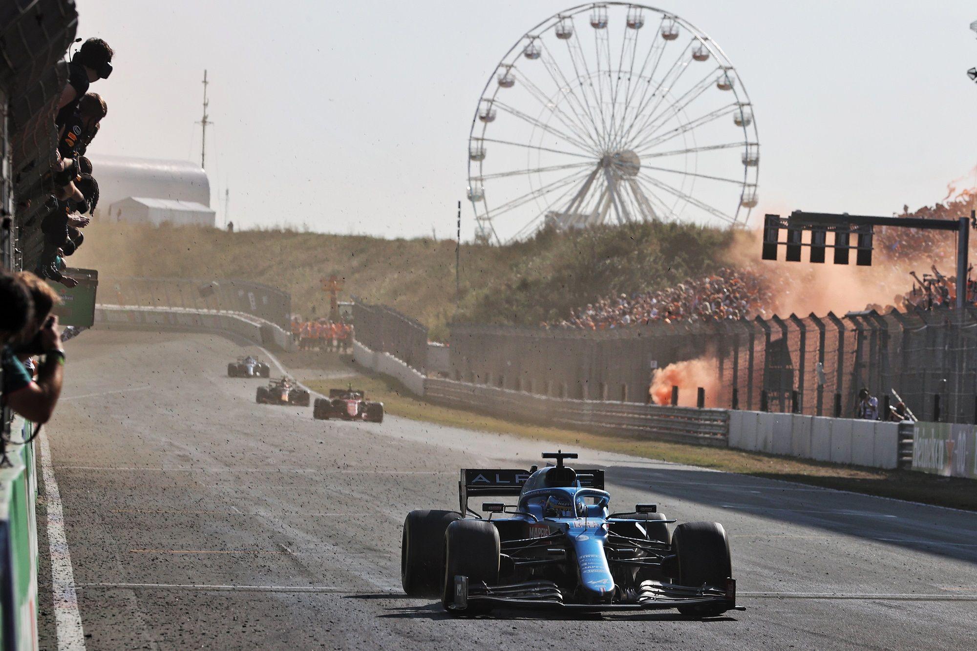 Fernando Alonso, Carlos Sainz, F1